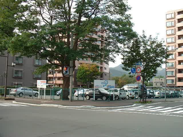 エッセ真駒内緑町パーキング